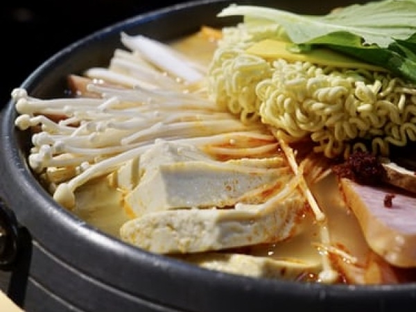 [서울 중구]  고소하면서도 맛있는 부대찌개