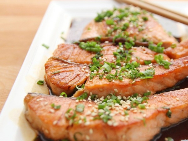 [경기 시흥시]  그냥 먹어도 맛있고, 스테이크로 먹어도 맛있는 연어