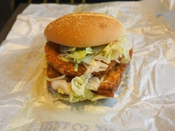 맥도날드 신메뉴 콘슈버거/슈비버거 비교후기!