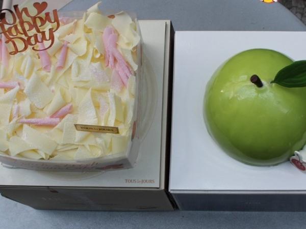 뚜레쥬르 VS 파리바게트 신상케이크 리얼 비교!