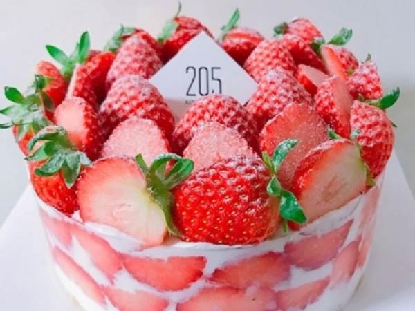 딸기철이 돌아왔다! 딸기케이크 맛집