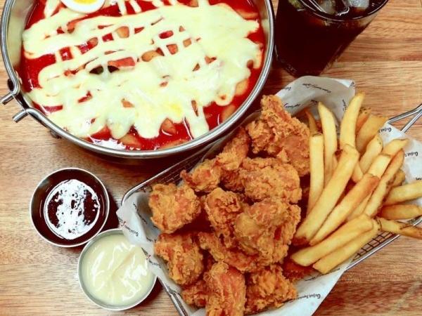 치킨+떡볶이를 한번에! 치떡의 정석 걸작떡볶이치킨 리뷰