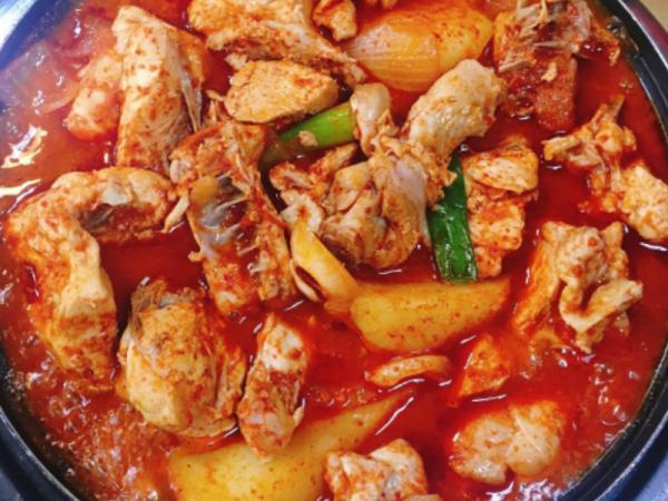 [충남 천안] 감자랑 같이 먹으면 꿀! 닭도리탕