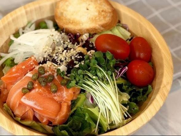 [강남구] 프레쉬한 맛있는 힐링 연어 샐러드