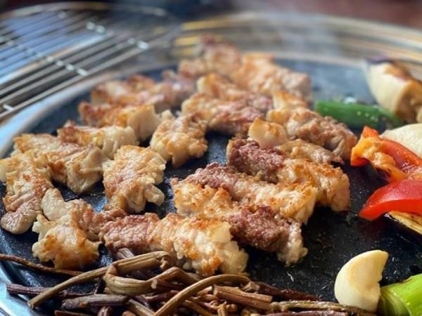 [전북 군산] 참숯에 구워 더욱 맛있는 삼겹살