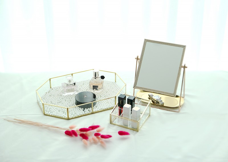 [주앤지리빙] 골드프레임 화장품 정리함 트레이+거울+립스틱꽂이